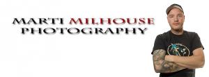 """Martin Rollberg auf einem Banner für sein Projekt """"Marti Milhouse Photography"""""""